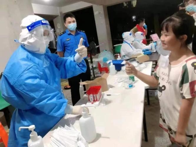 福建漳州:志愿服务在一线 抗击疫情我先行