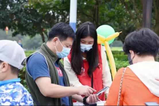 安徽六安:志愿服务遍地开花 文明出游成假期风景