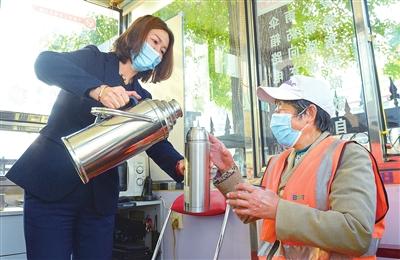 志愿服务温暖人心 打造东丽文明阵地